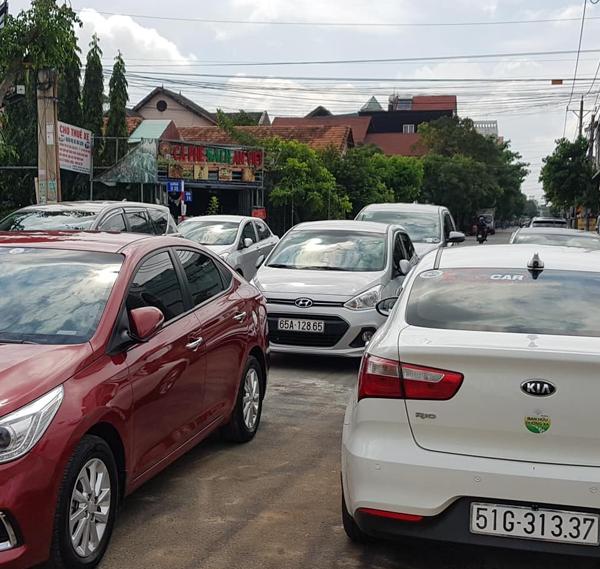 các dòng xe phục vụ taxi đi tỉnh đường dài